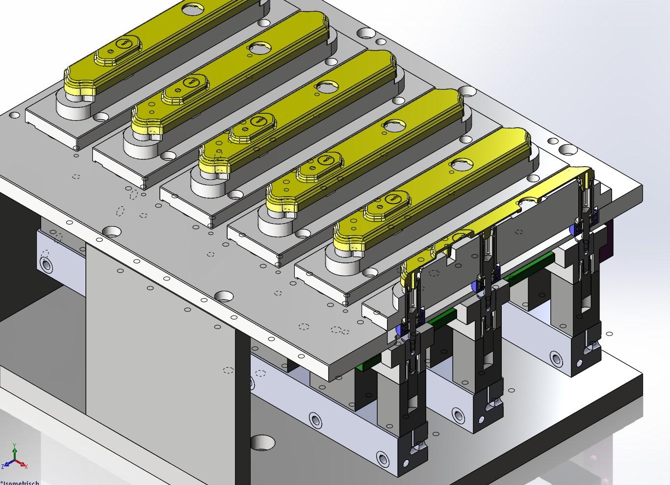 Spannen von Türschildern für die Fräsbearbeitung auf CNC-Fräse CHIRON FZ-15W